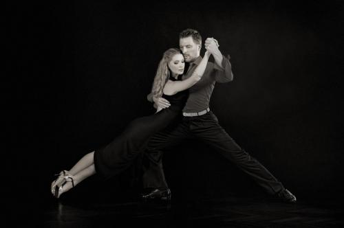 magdalena-i-jakub-sesja-tango-zm-20130225-l-fk-or-m-lens-t1-160-sec-no-6495__3e